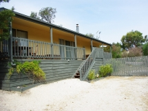 PET FRIENDLY - 66 Rainbow Road Golden Beach / 66 Rainbow Rd - Pet Friendly