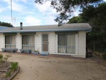 PET FRIENDLY - 26 Starview Street, Golden Beach / 26 Starview St - Pet Friendly